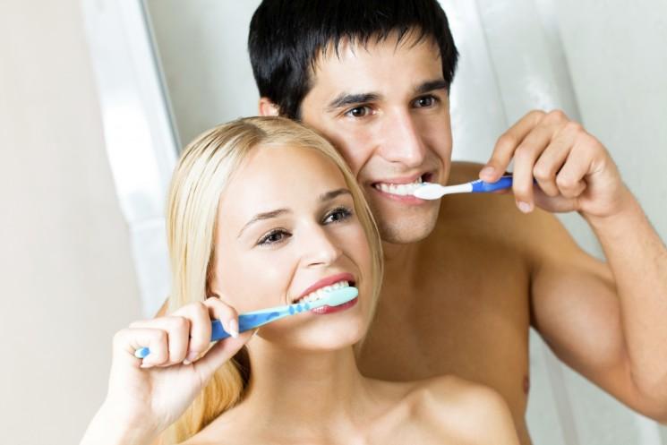 Risultati immagini per lavare i denti