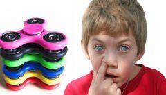 I fidget spinner rendono autistici i nostri bambini, l'appello alle mamme