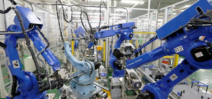 Cina: robot aggrediscono operai in una fabbrica di aerei chimici, quattro morti
